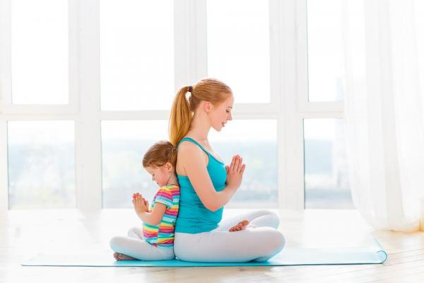 3 Easy Ways To Meditate With Your Child